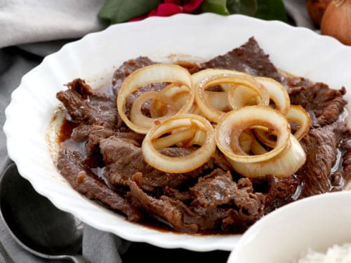 bistek with white onions