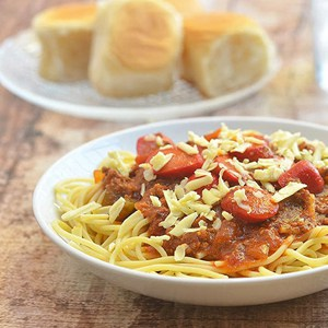 yummy spaghetti and bread