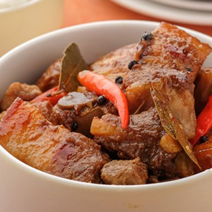 filipino spicy pork adobo