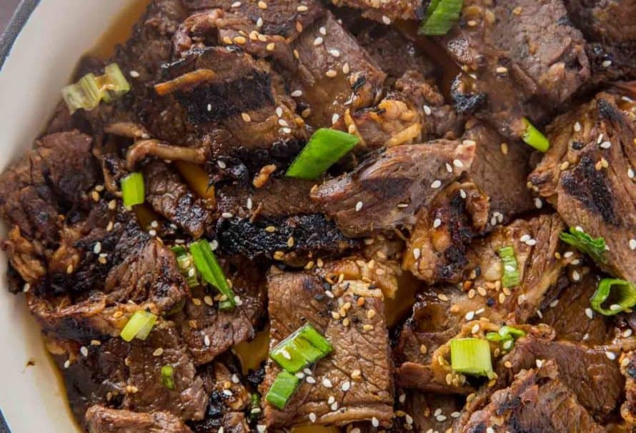 Beef teriyaki with sesame seeds in a bowl