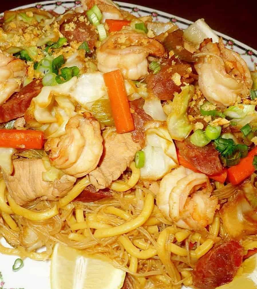 miki guisado top with chicken and veggies