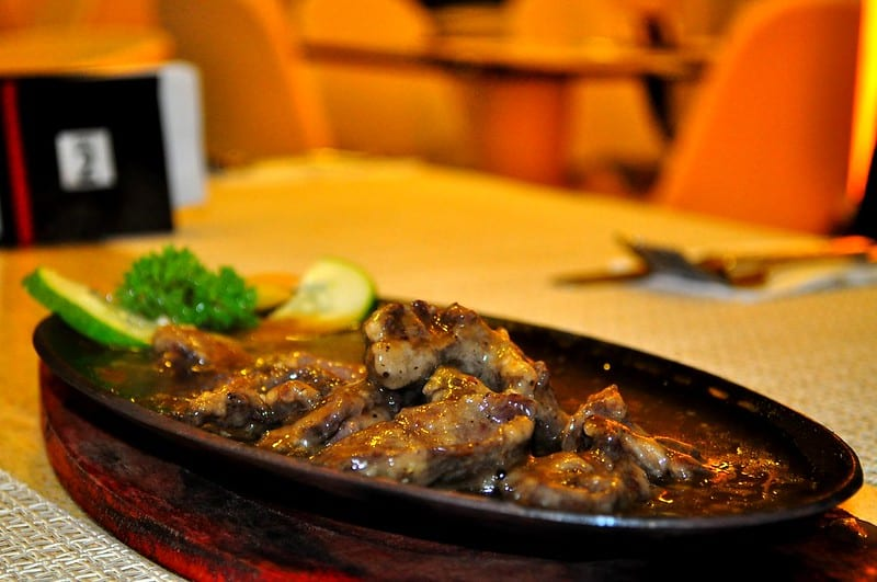 salpicao on a sizzling plate